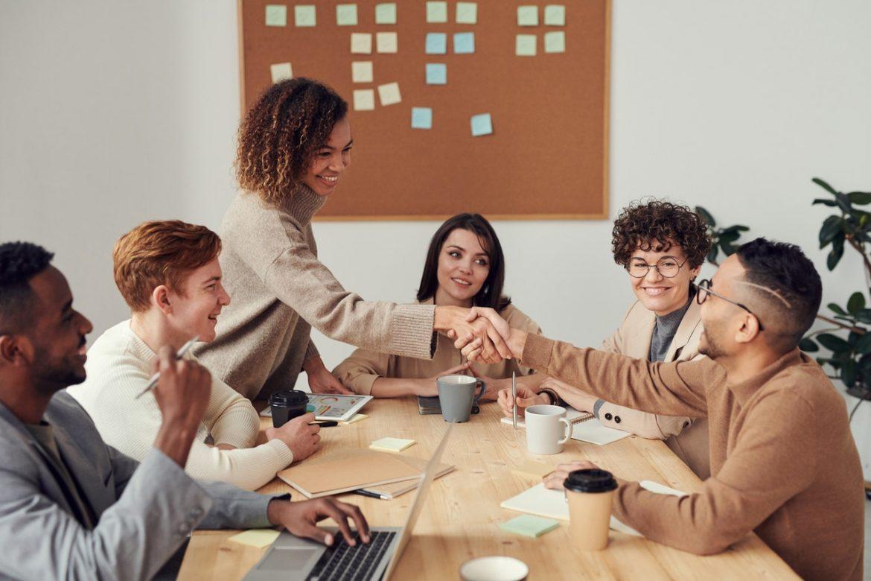 A teljesítményt, a hatékonyságot és a sikert meghatározó személyiségjellemzők mérése